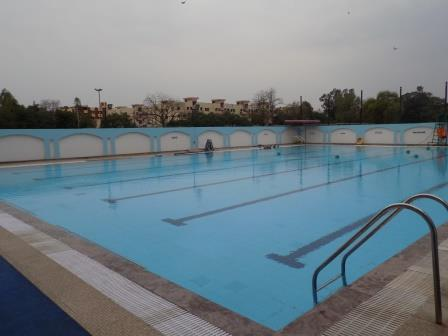 SWIMMING POOL A
